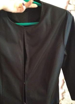 Пиджак на крючках3 фото