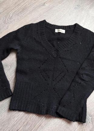 Теплый черный свитер мягкий шерстяной1