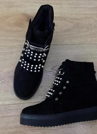 Зимние ботинки стелька 23.5 см. 37 размер маломерят