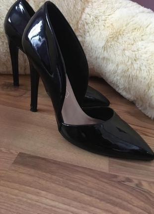 Туфли лаковые1