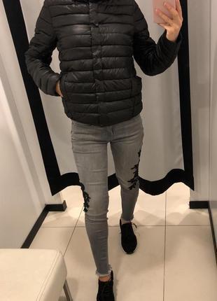 Стёганая деми куртка на синтепоне amisu курточка на кнопках