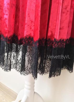 Платье с плиссировкой из бархата с кружевом два пояса разм. l-xl4