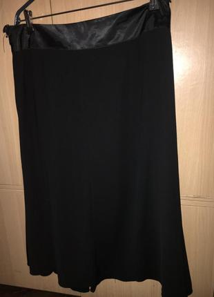 Юбка черная, плотная ткань, подкладка 48 р3