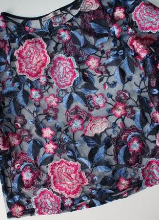 Прозрачная футболка zara из тюля с цветочной вышивкой, рукав воланами. новая. размер s.1