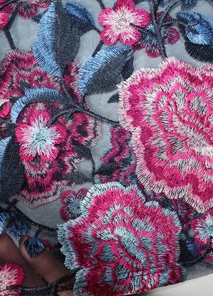 Прозрачная футболка zara из тюля с цветочной вышивкой, рукав воланами. новая. размер s.4