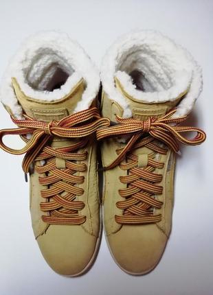 Ботинки женские зима puma first  350880-012
