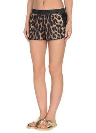 Короткие шорты с анималистическим леопардовым принтом от adidas. оригинал.2