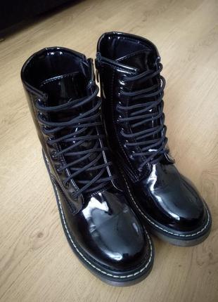 Лаковые ботинки1