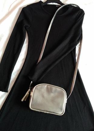 Базове чорне плаття