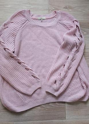 Розовый свитер оверсайз с фигурным вырезом на рукавах5 фото