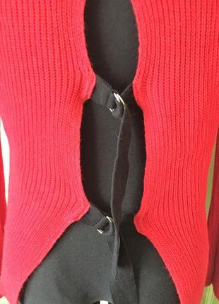 Очень красивый свитер с оригинальными завязками на спине5