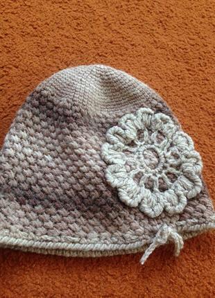 Красивая шапка ручной работы1
