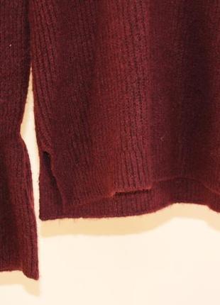 Стильный бордовый свитер2
