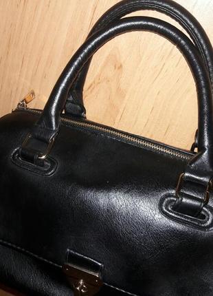 Маленькая черная сумочка atmosphere4