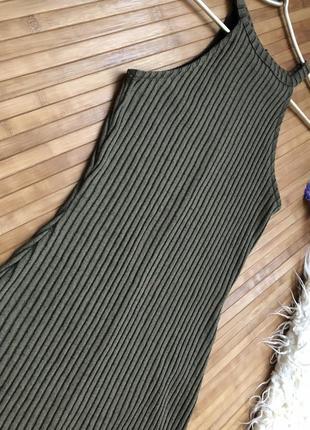Макси платье в рубчик с разрезами оливкового цвета river island3