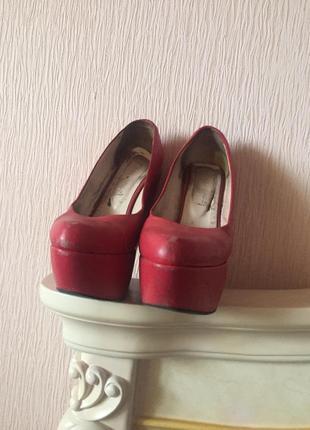 Красные кожаные туфли2
