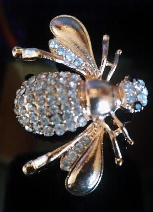 -25% осталась одна новая объемная брошь золотой жук пчела с цирконами2