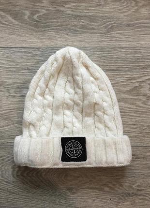 Белая шапка stone island1
