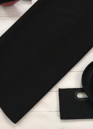 Элегантное платье прямого кроя с ажурными вставками на плечах edition4