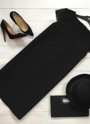 Элегантное платье прямого кроя с ажурными вставками на плечах edition1