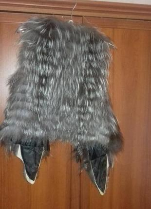 Меховая жилетка с чернобурки.2 фото