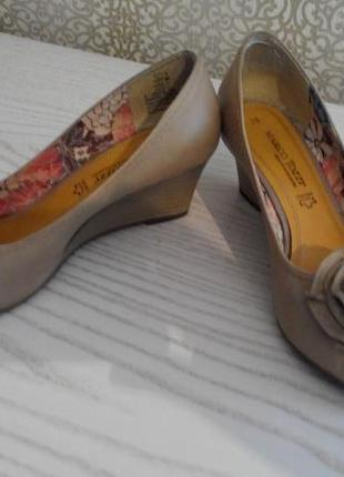 Нарядные туфли-лодочки marco tozzi р.38 германия 24,5 см2