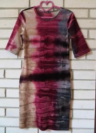 Платье вельровое 10 р-ра.