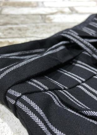 Актуальные трикотажные брюки кюлоты в полоску, полосатые свободные штаны с поясом4 фото