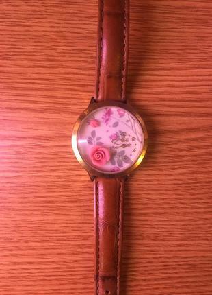 Часы mini world с объемной розой1