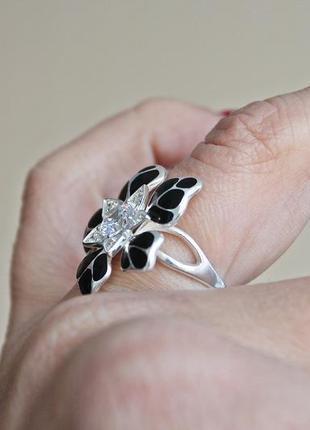 Серебряное кольцо н кокетка черное р.183