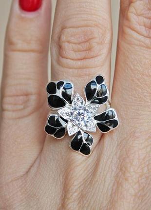 Серебряное кольцо н кокетка черное р.181