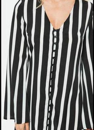 Cтильное свободное платье в вертикальную полоску с расклешенными рукавами missguided2 фото