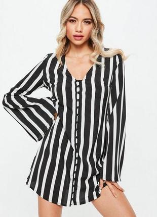 Cтильное свободное платье в вертикальную полоску с расклешенными рукавами missguided1 фото