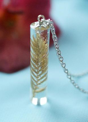 Кулон-кристалл с полевым колоском