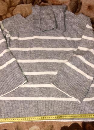 Шикарный фирменный свитер р.l,в идеале.4 фото
