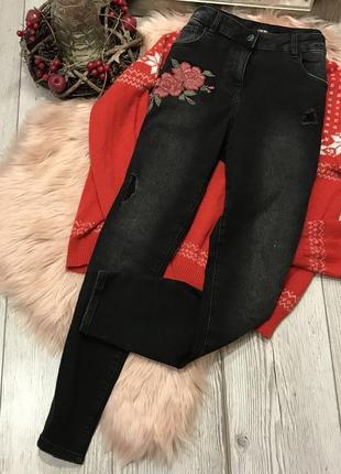 Плотные джинсы с вышивкой1