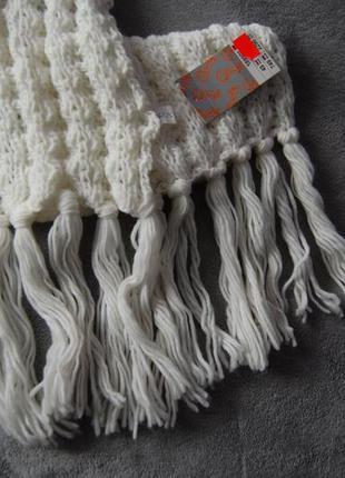 Белый теплый шарф