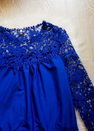 Нарядная синяя блуза с кружевными длинными рукавами и гипюром туика шифон3