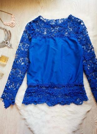 Нарядная синяя блуза с кружевными длинными рукавами и гипюром туика шифон4