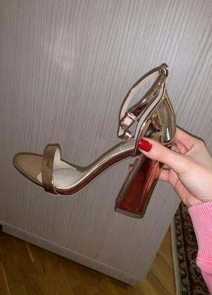 Туфли на устойчивом каблуке missguided1