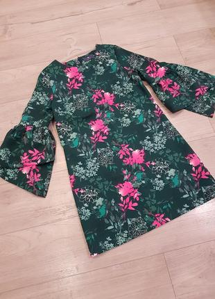 Шикарное платье прямого кроя с обьемным рукавом2