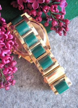 Красивые женские часы золото+изумруд geneva3