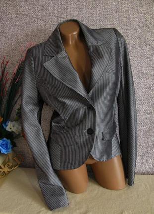 Нарядный, стильный пиджак. размер eur 36-38