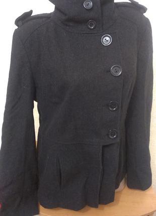 Актуальное пальто,пиджак рр 561
