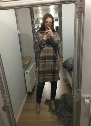 Трендове стильне тепле пальто в клітинку з шерстю в складі tu3