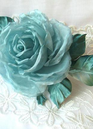 Брошь-роза мятная. цветы из шелка1