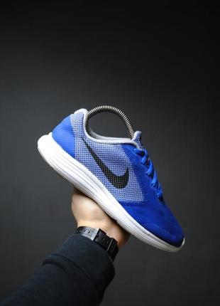 Крутые кроссовки nike revolution 3