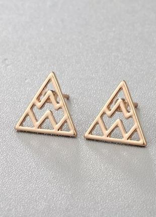 Серьги-гвоздики золотые треугольники, сережки, кульчики3