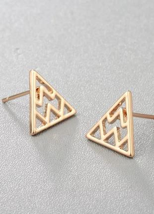 Серьги-гвоздики золотые треугольники, сережки, кульчики2