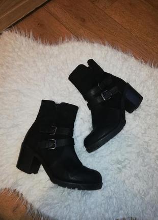 Ботинки женские ботинки на толстом каблуке1 фото